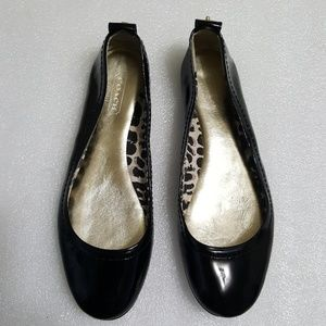 🎈COACH🎈 women's patent leather flats size 6B